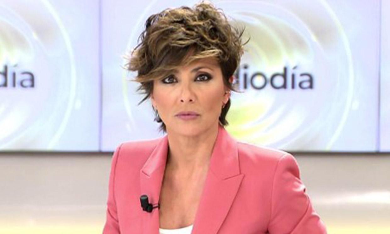 De Zarzuela a televisión: la conexión de estilo entre la Reina y Sonsoles Ónega a la misma hora