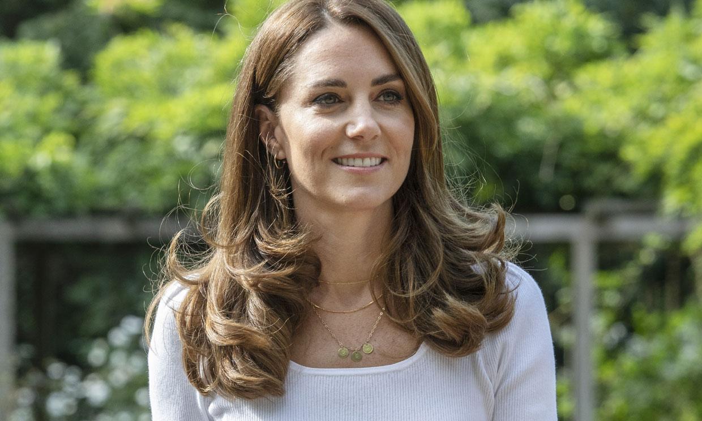 Las joyitas con iniciales que han unido a 'royals' y expertas en moda