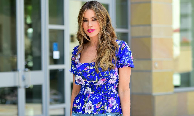 Sofía Vergara estrena el top 'cintura de avispa' ideal para mujeres con curvas
