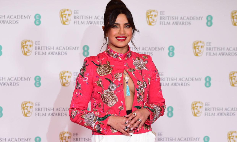 La chaqueta española de Priyanka Chopra y otros lookazos de unos BAFTA sin precedentes
