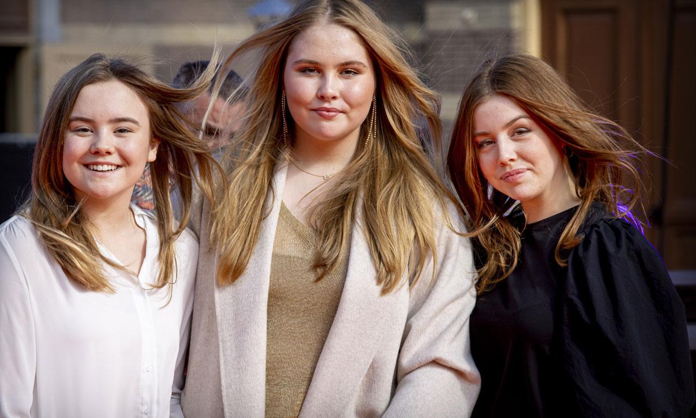 El fenómeno de las zapatillas blancas que fascinan a las jóvenes 'royals'