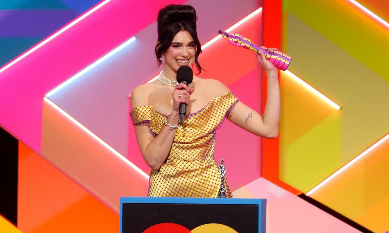 La atrevida elección de Dua Lipa y otros looks virales de los BRIT Awards 2021