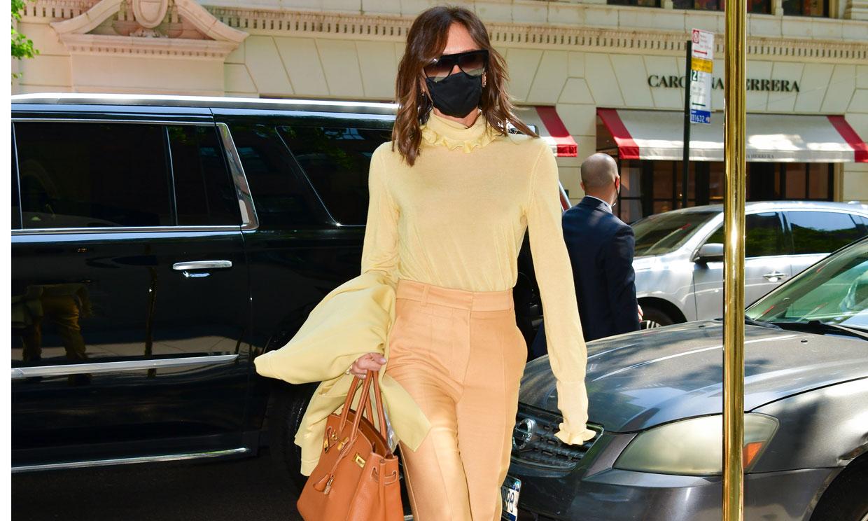 La nueva ocurrencia de Victoria Beckham para transformar los pantalones campana que más estilizan