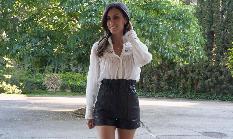 Si no te gusta llevar pantalones muy cortos, este look de Ana Boyer es perfecto para ti
