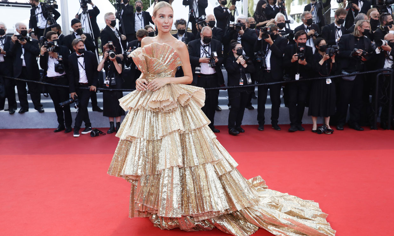 Los mejores looks del Festival de Cannes 2021: volantes, escotes de riesgo y mucho brillo