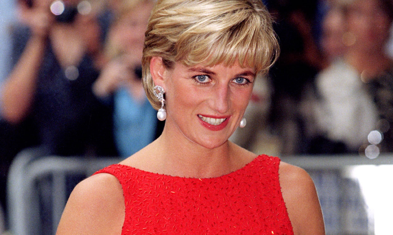 El truco secreto de Diana de Gales para evitar accidentes de moda