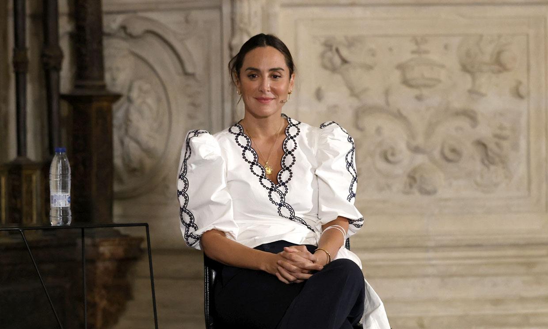 Tamara Falcó compra en las rebajas la blusa bordada de diseño 'vintage' que hace tipazo