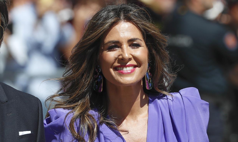 Nuria Roca dispuesta a ser la invitada perfecta con el vestido rebajado de Tamara Falcó