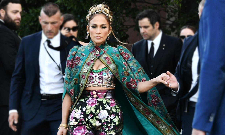 Jennifer Lopez paraliza Venecia con su maximalismo