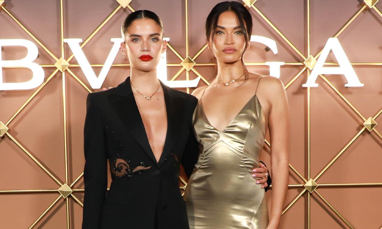 Las supermodelos devuelven el 'glamour' a la noche neoyorkina con sus looks de fiesta