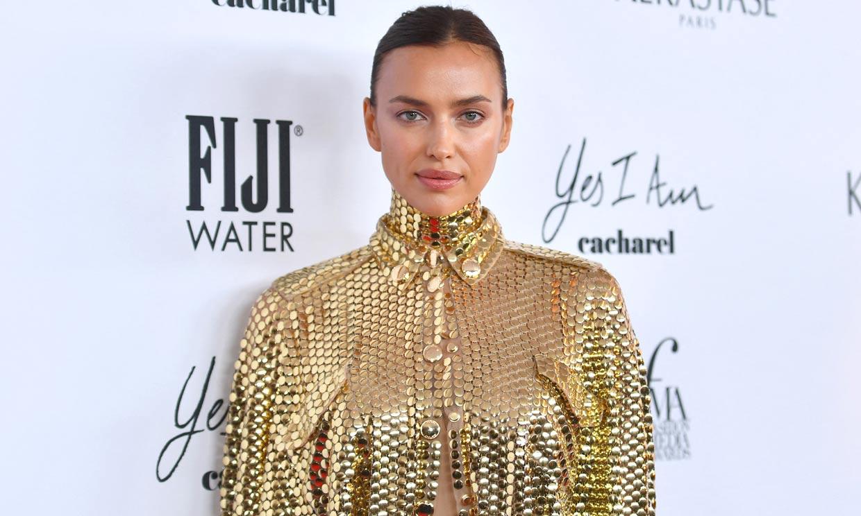 Lo dicen Irina Shayk y Elsa Hosk: necesitas una camisa 'brilli' este otoño