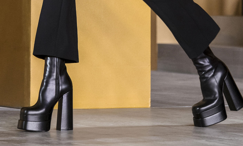 De Versace a Inditex: las superplataformas virales por las que renunciaremos al zapato plano