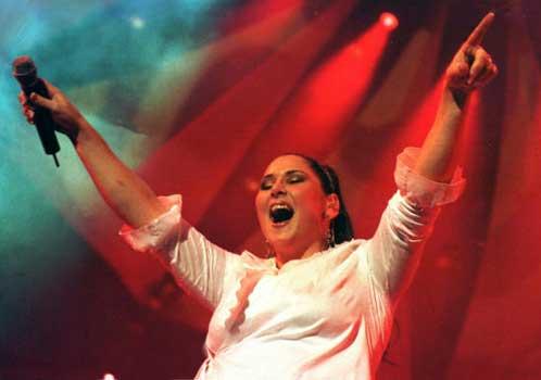 Rosa inicia su gira en Córdoba ante 9.000 espectadores