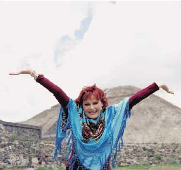 Rocío Dúrcal desde su casa de México: 'Estoy feliz, porque voy a ser abuela de gemelos'