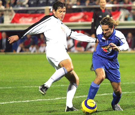 David Bisbal, 'futbolista' solidario en el Partido Contra la Droga