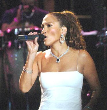 Marc Anthony y Jennifer López, juntos ofrecen un espectáculo de amor y música