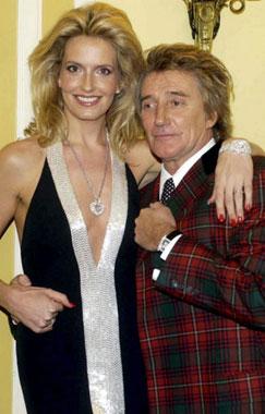 Rod Stewart y Penny Lancaster han sido padres de un niño, séptimo hijo del cantante