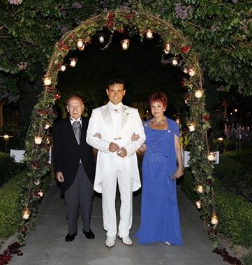 Carlos Marín, de Il Divo, se casó con Geraldine Larrosa en Disneylandia