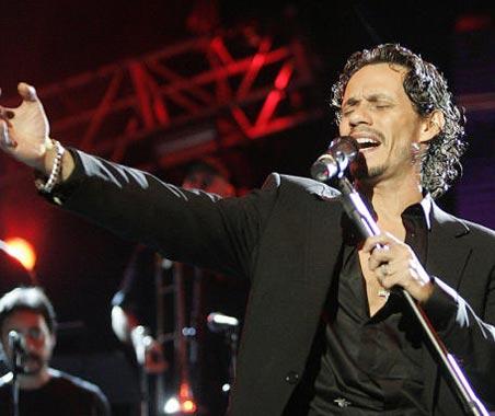 Marc Anthony despide su gira española cantando con Jennifer López