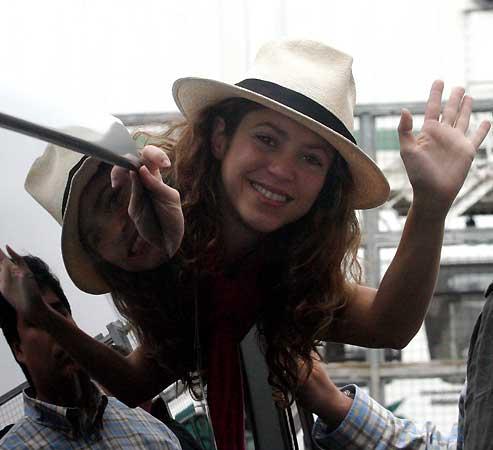 Shakira, arropada por la familia de su novio en Buenos Aires