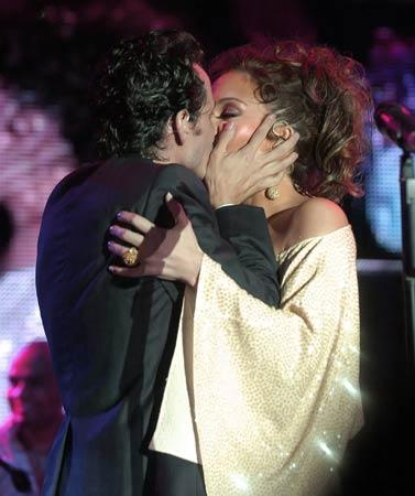 Jennifer López y Marc Anthony, amor y pasión sobre el escenario