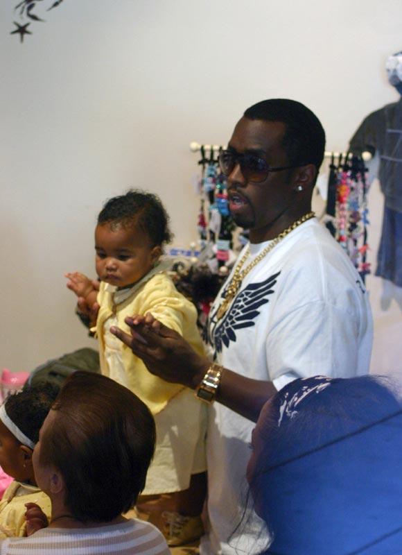 P. Diddy reconoce la paternidad de una niña, nacida pocos meses antes que sus gemelas