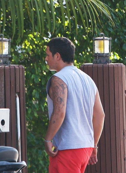 Todos Los Tatuajes De Alejandro Sanz alejandro sanz, días de relax y navegación en miami con su novia