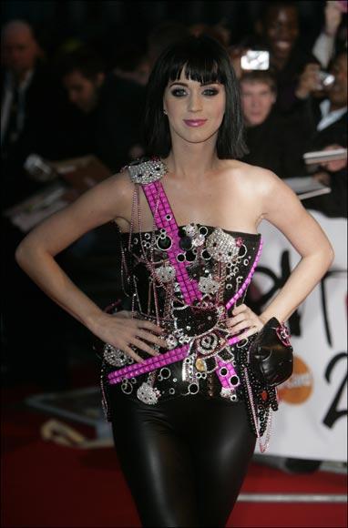 Kylie Minogue, maestra de ceremonias de unos premios Brit en los que Duffy arrasa
