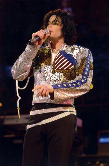 A pesar del deterioro en su salud, Michael Jackson podría volver a cantar