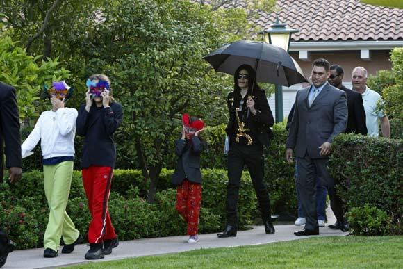 El entorno de Michael Jackson insiste: 'Tiene una salud perfecta'