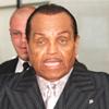 Los padres de Michael Jackson quieren conseguir la custodia de los tres hijos del cantante
