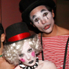 El espíritu de Halloween continúa...¿De qué han ido disfrazados Kylie Minogue y su novio, Andrés Velencoso?
