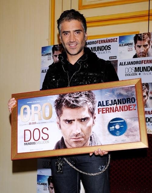 Alejandro Fernández Y Sus Dos Mundos
