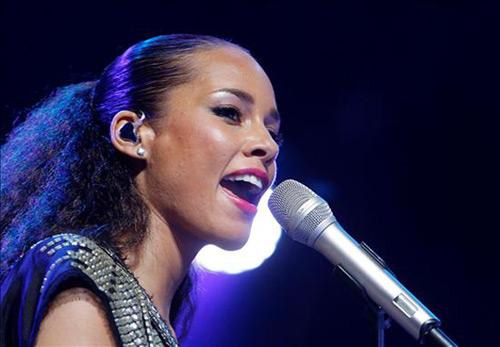 Alicia Keys reúne en su único concierto en la capital a numerosos rostros conocidos y a más de media plantilla del Madrid