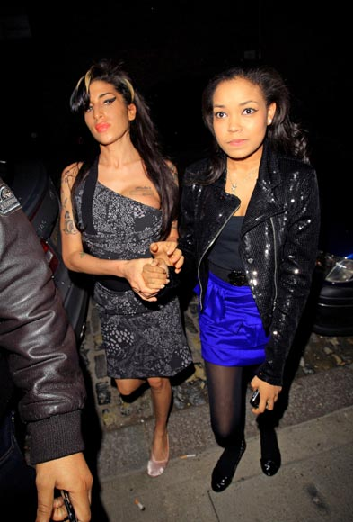 Amy Winehouse celebra el cumpleaños de su 'inseparable' ahijada Dionne Bromsfield