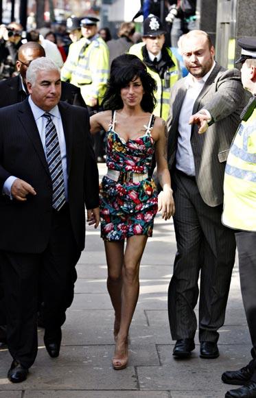El padre de Amy Winehouse 'competirá' con su hija en el mercado discográfico