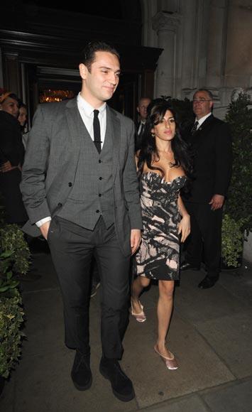 Amy Winehouse y Reg Traviss, inseparables... ¿cambiará de vida la cantante por amor?