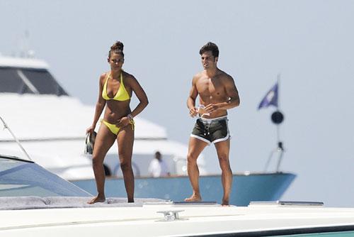 David Bustamante y Paula Echevarría lucen figura durante sus vacaciones en Formentera