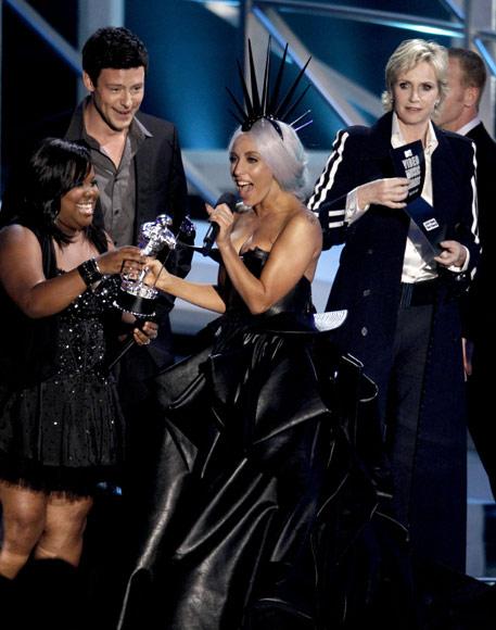 Lady Gaga 'reina' en la entrega de los premios MTV Video Music en Los Ángeles