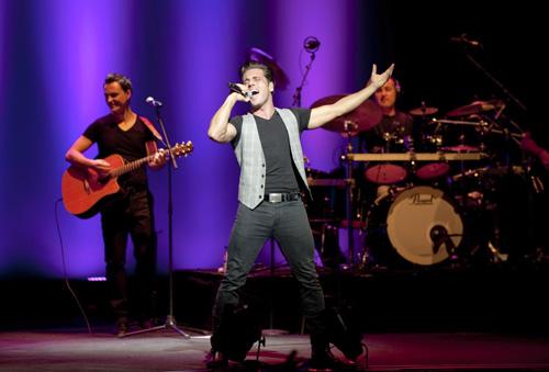 David Bustamante se encuentra de gira por los teatros de España
