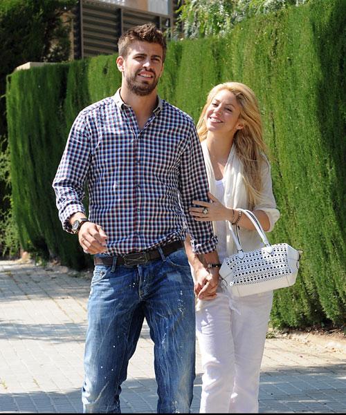 Las imágenes más apasionadas del reencuentro de Shakira y Piqué en Barcelona