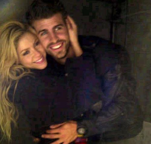 'Oh, Piqué cuando hablas así haces que una mujer se vuelva loca…' Shakira canta a su amor durante su concierto en Polonia