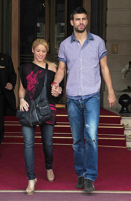 Shakira y Piqué pasean su amor por París