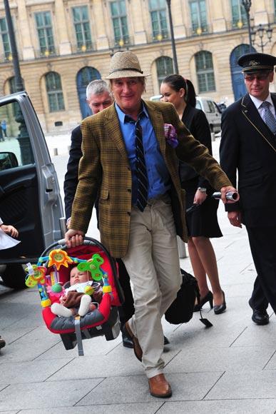 Rod Stewart y Penny Lancaster, vacaciones en familia con sus dos hijos Alistair y Aiden, de cuatro meses