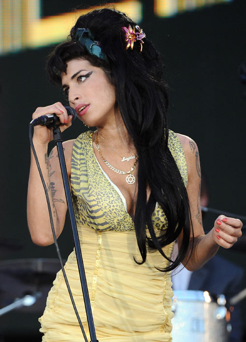 La voz de Amy Winehouse volverá a conmover cinco meses después de su muerte