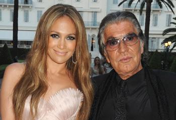 ¿Se casa Jennifer López? La cantante 'encarga' a Roberto Cavalli un vestido 'muy especial para su próxima boda'