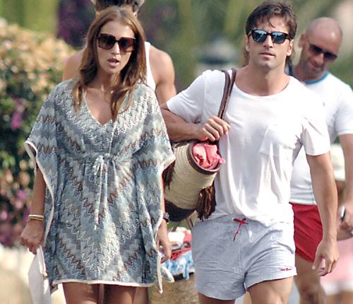 Tras una romántica estancia en Ibiza... David Bustamante y Paula Echevarría se escapan a Marbella con su hija Daniella