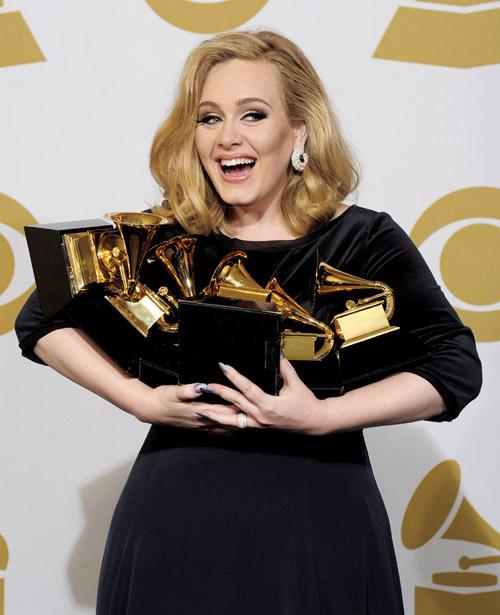 ¡Adele ha sido mamá de un niño!