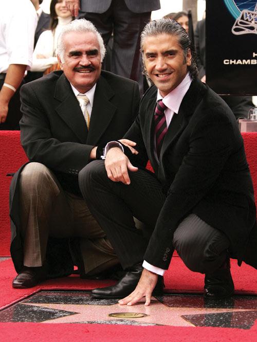 Alejandro Fernández, sobre la salud de su padre Vicente: 'El quiste no es maligno, todo va a salir bien'