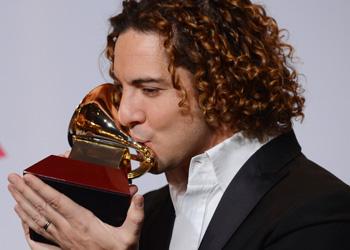 Un eufórico David Bisbal se lleva el segundo Grammy latino de su carrera